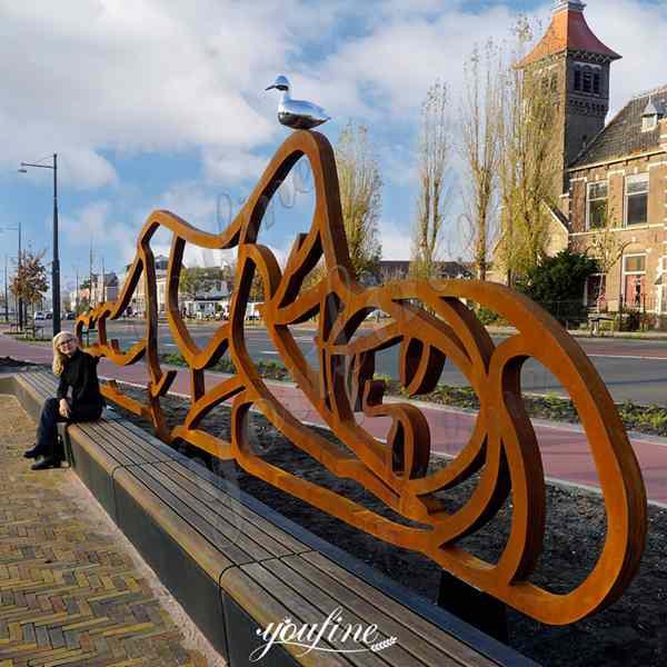 LargeCortenSteel GardenSculpture Lying Lady Landscape Design for Holland Customers
