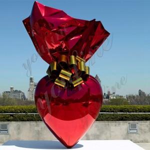 Large abstract metal sculpture Jeff Koons hanging heart